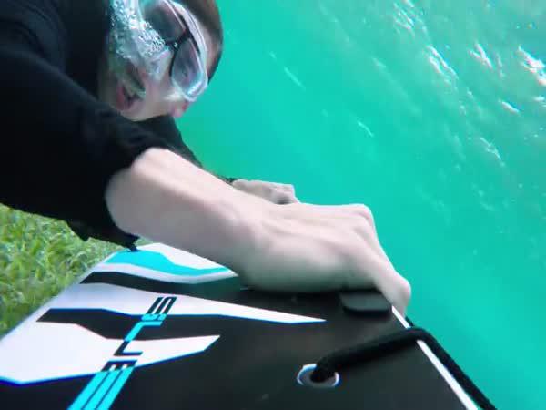 Létání pod vodou (subwing)