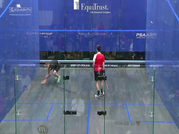 Squash - Nikdy nepodceňuj soupeře