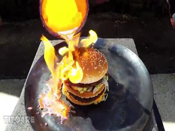 Big Mac vs roztavená měď