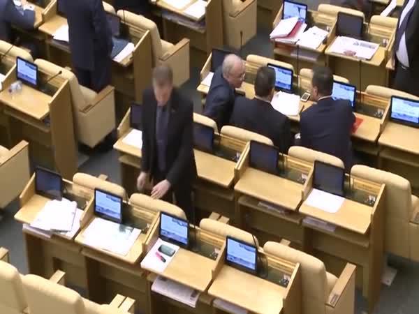 Těžká práce ruských poslanců