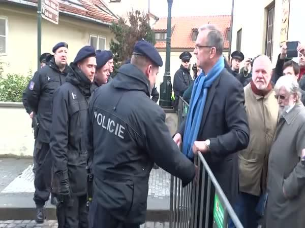 Kalousek vs. policie