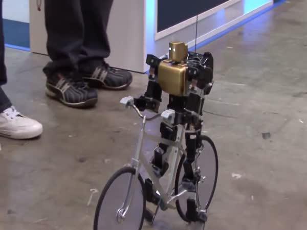 Robot jezdící na kole