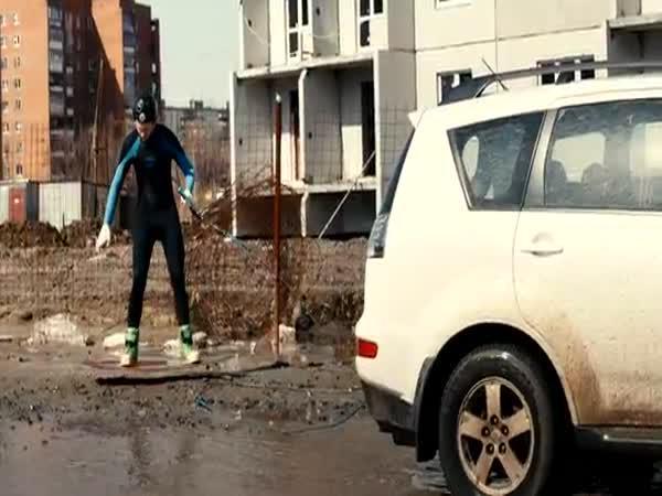 Wakeboarding na blátě v Rusku