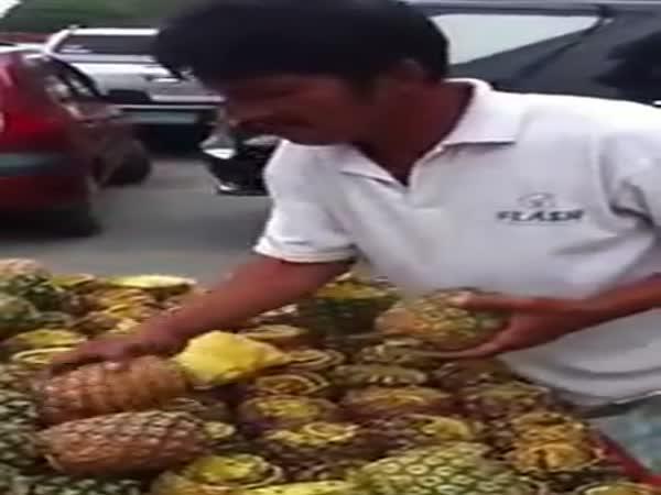 Nakrájení ananasu snadno a rychle