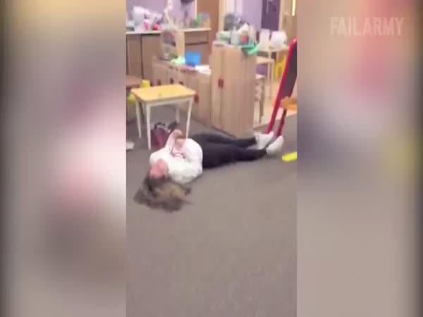 Největší faily ze školy v jediném videu