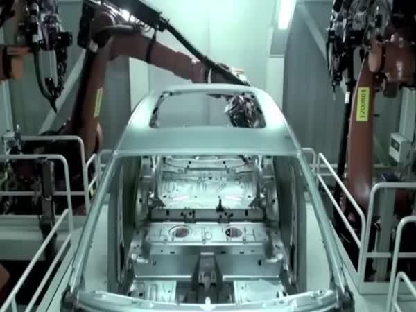 Jak se vyrábí Audi Q3