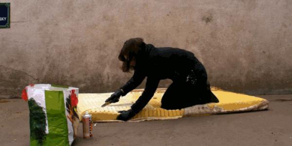 GALERIE - Jídlo ze starých matrací