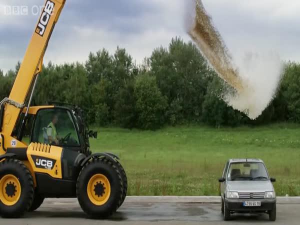 Co udělá s autem 4000 litrů vody
