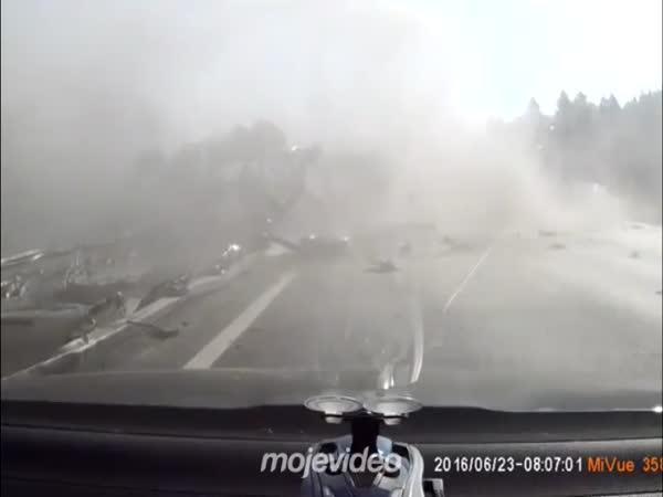 Když praskne pneumatika na dálnici