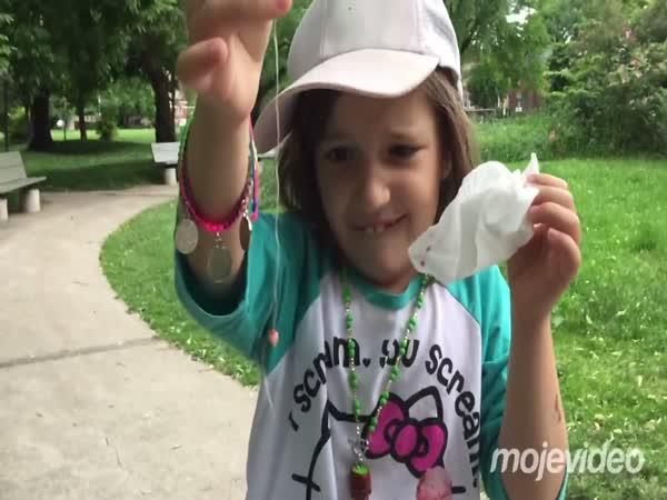 Jak veverka vytrhla holčičce zub