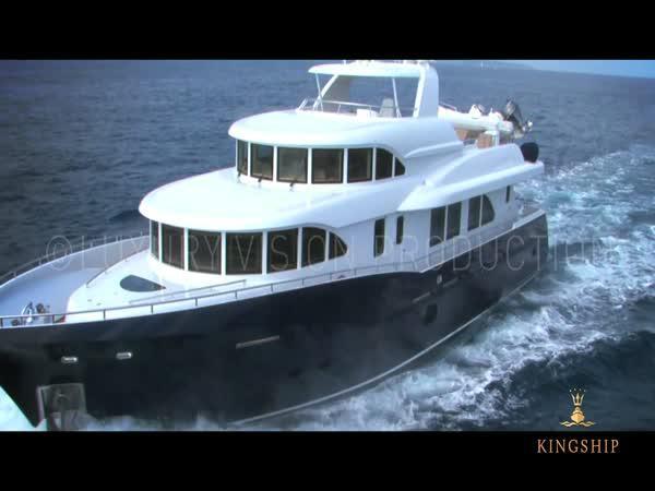 Luxusní jachta Columbus 90