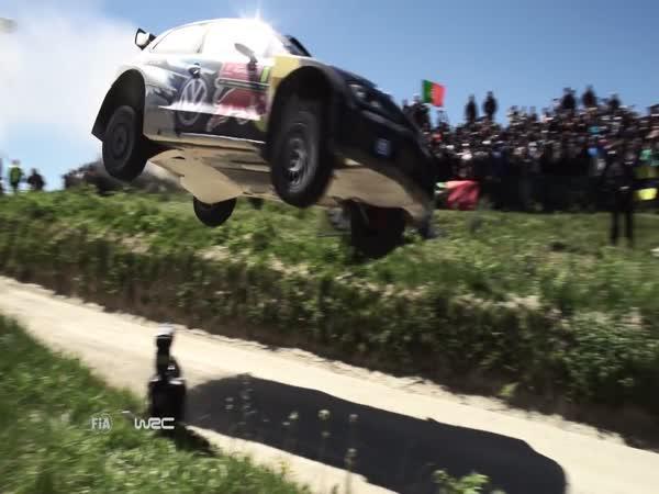 Šílené skoky při rallye