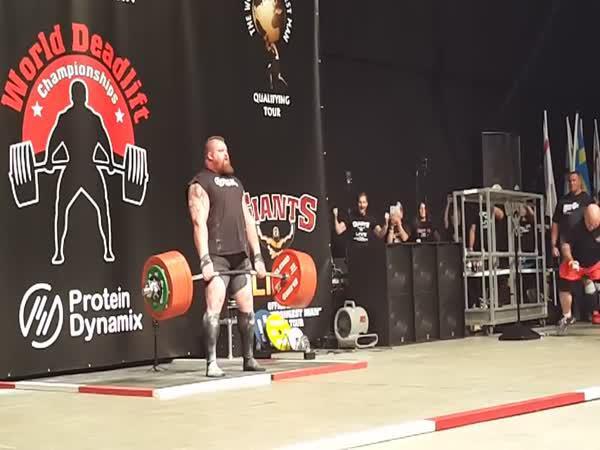 Světový rekord - 500kg mrtvým tahem