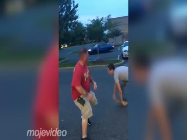 Bitka - Čtyřicátník versus teenager