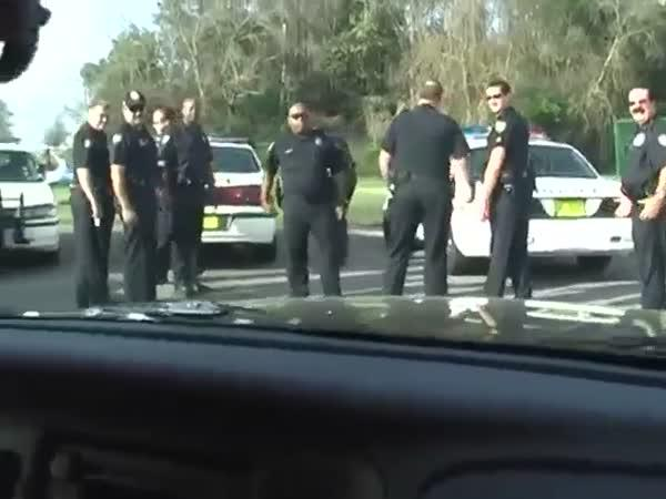 Jak vystrašit policisty