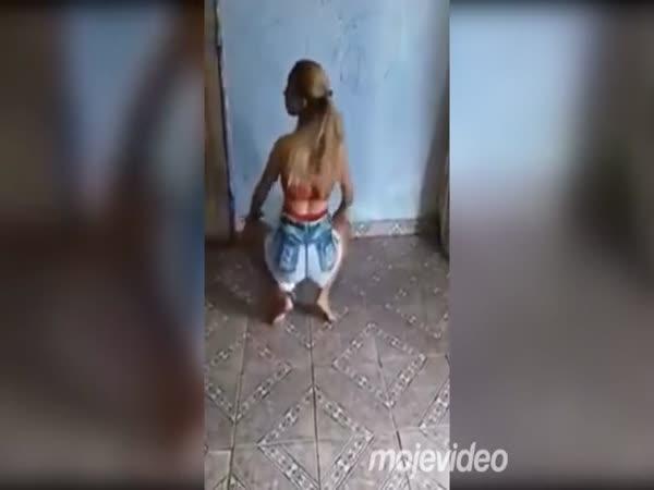 Synáček vytrollil matku
