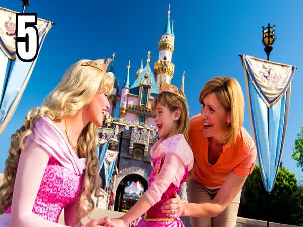 TOP 5 - Šílené fakty o Disneym