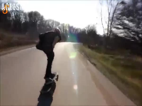 Idiot na longboardu