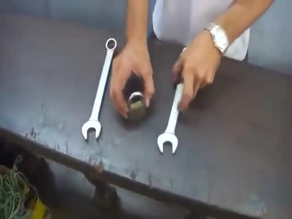 Návod - Jak otevřít visací zámek