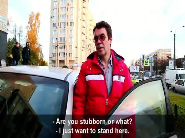 Nesnášíme řidiče jezdící po chodníku