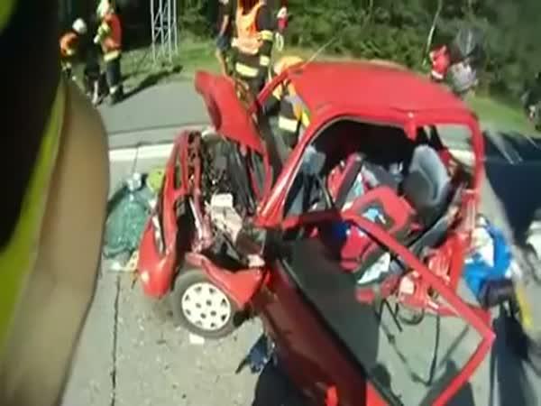 Česká republika - Vyprošťování řidičky