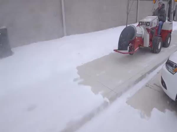 Profesionální uklízeč sněhu