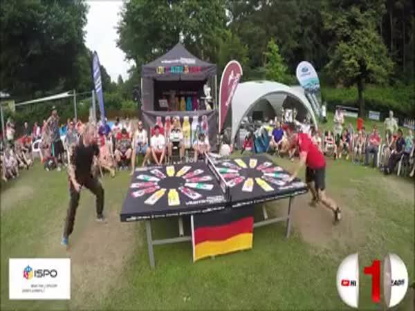 Tenis s fotbalovým míčem