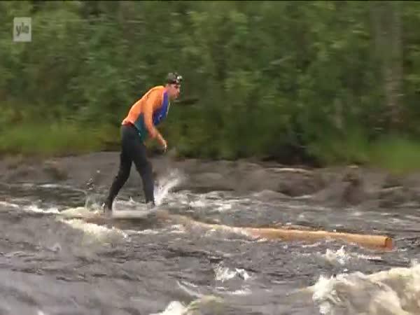 Finský dřevorubec v akci