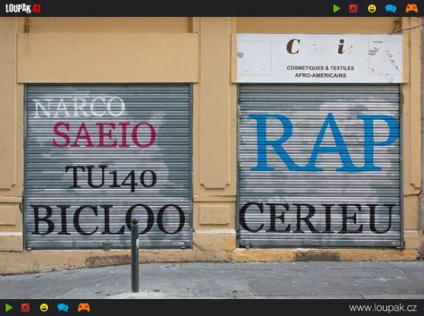 GALERIE - Předělává graffiti na slova
