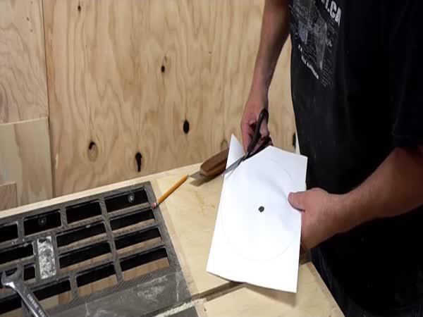 Přeřeže papír dřevo?