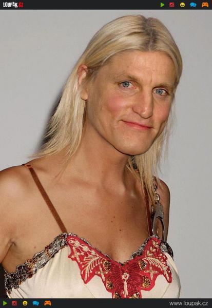 GALERIE - Mužské celebrity jako ženy