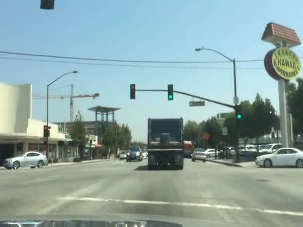 Nepříčetný řidič nákladního auta