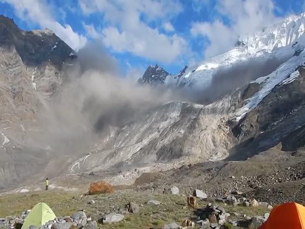 Masivní lavina v Indii