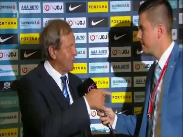 Naštvaný slovenský trenér