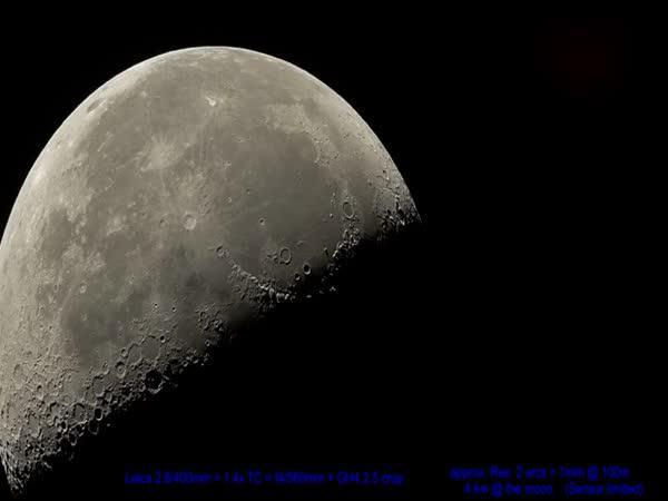 300x zvětšený Měsíc