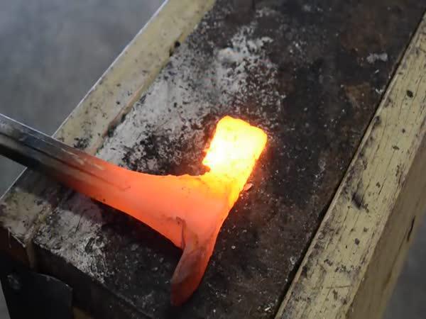 Jak z klíče vyrobit tomahawk