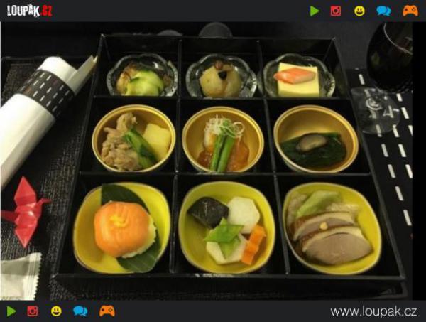 GALERIE - Jídlo na palubě letadla