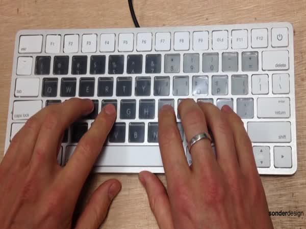 Apple chystá novou klávesnici