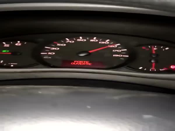 Když přeřadíte ve 150 km/h z 6 na 2