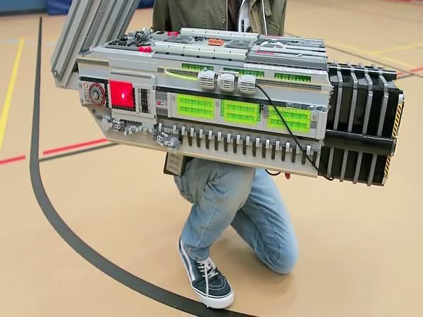 Nejkrutější zbraň vyrobená z lega