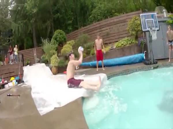 Bazénové nehody