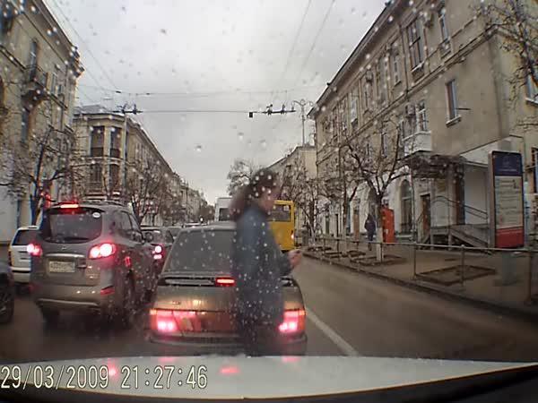Proč nepoužívat telefon na silnici