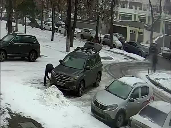 Neuvěřitelná drzost zlodějíčka