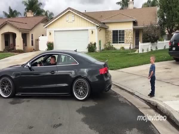Audi a stylové vytržení zubu