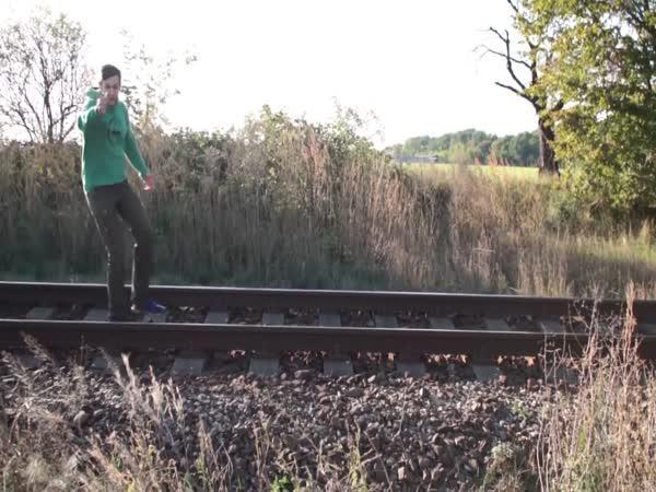 Challenge -  Youtuber skočil pod vlak
