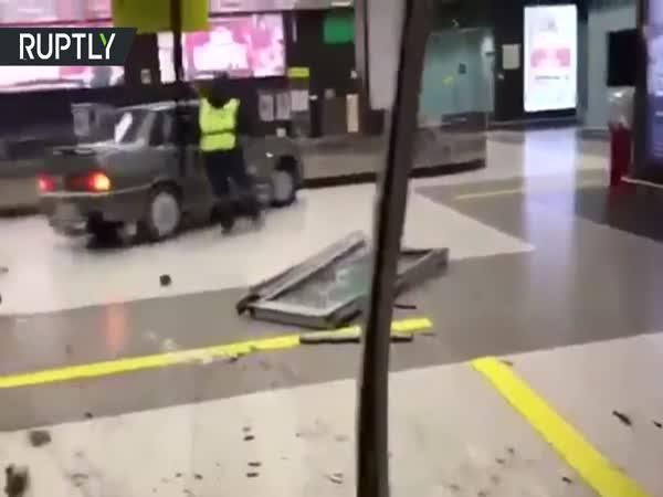 Rusko - Opilý řidič na letišti
