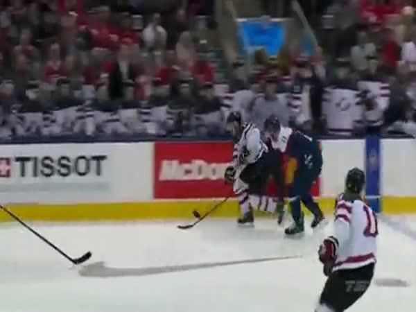 Hokej: Jeden proti třem