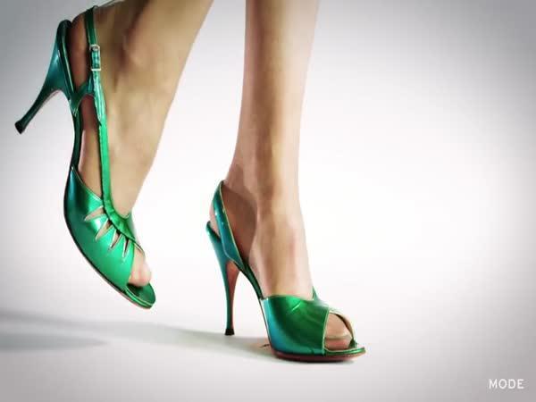 100 let módy - boty na podpatku