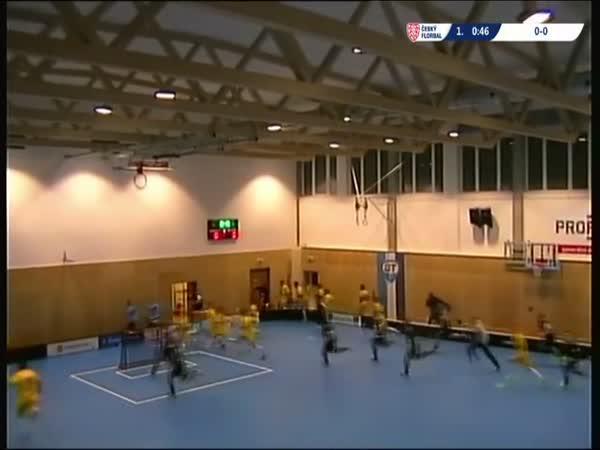 Česká republika - Pád střechy při utkání