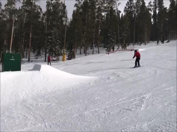 Nepovedený freestyle na lyžích